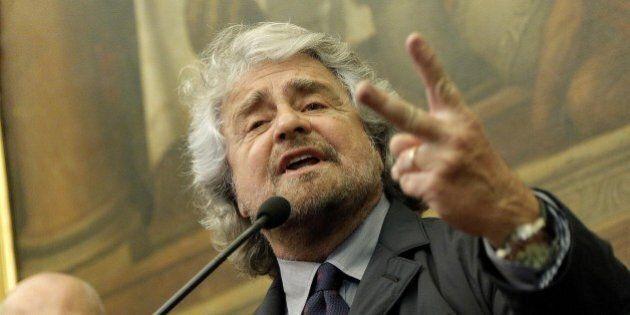 Beppe Grillo, domani sera l'assemblea per espellere i senatori Battista, Bocchino, Campanella e