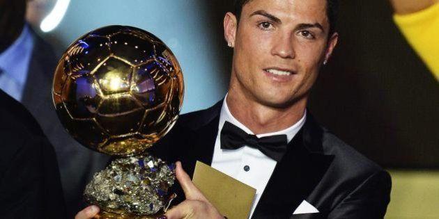 Cristiano Ronaldo vince il Pallone d'Oro. L'attaccante del Real Madrid interrompe il dominio di Lionel...