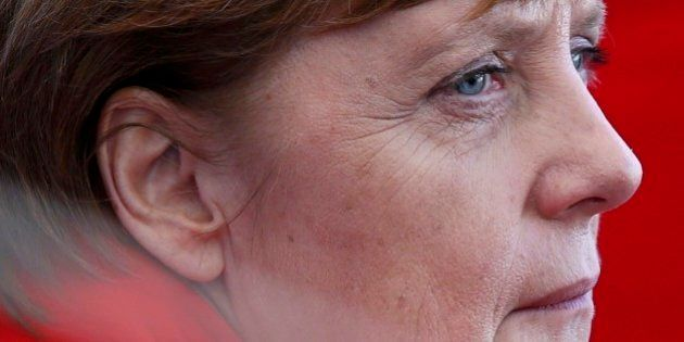 Angela Merkel medita l'addio a sorpresa: dimissioni senza essere sconfitta, mai. Il retroscena del Der...