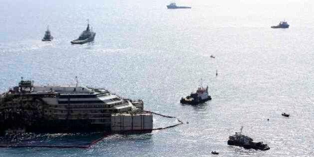 Costa Concordia, rigalleggiamento avvenuto. Tutte le fasi del progetto di rimozione. Costo stellare:...