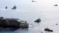La Concordia galleggia di nuovo. Spinta da un miliardo per il