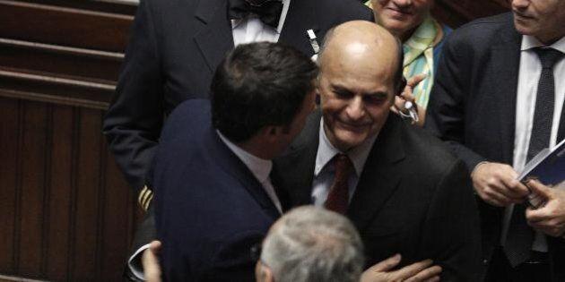Alla Camera il ritorno di Pierluigi Bersani, in aula per la fiducia a Renzi: