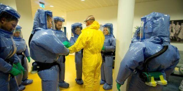 Attori contro l'ebola: negli ospedali di New York finti malati arruolati per testare la prontezza dei...