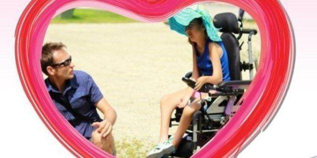 Giulia riavrà la sua carrozzina grazie al crowdfunding. Le avevano rubato la sedia a rotelle a teatro,...