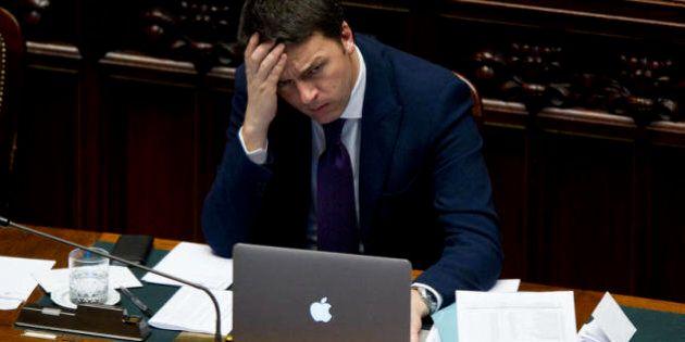 Matteo Renzi accusa il colpo delle critiche, ma alla Camera è sempre pop. Nervosismo anche tra i