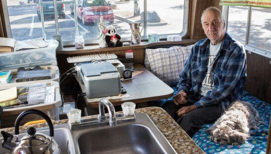 I nomadi di Walmart. La catena in Usa lascia parcheggiare di