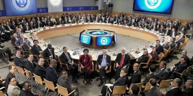 Fondo Monetario Internazionale, peggiorate le stime di crescita dell'Eurozona: +1,1%. Giù anche