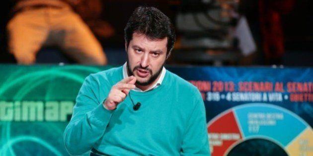 Lega, Salvini incontra il teorico dell'antiglobalizzazione. L'idea di un cartello con la Le Pen alle