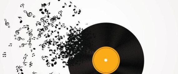 Musica da assaporare (magari in formato vinile), earthing e cambio di lato. Tre nuove pillole di felicità...