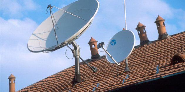 Relazione Agcom 2014, calano i ricavi del settore: -9%. Italia indietro sulle reti. Tv: Rai sorpassa