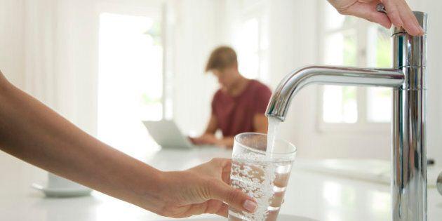 Acqua del rubinetto, Legambiente: