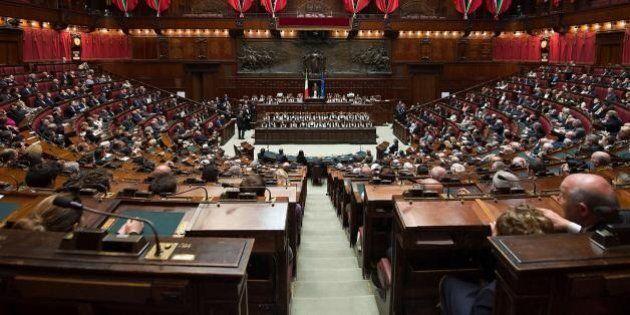 Decreto casa, deputati Pd e Fi partiti per il weekend, M5s fa mancare il numero legale, salta