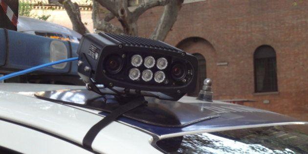 Multe a strascico a Roma, test sullo street control: 14 contravvenzioni in mezz'ora senza scendere dalla