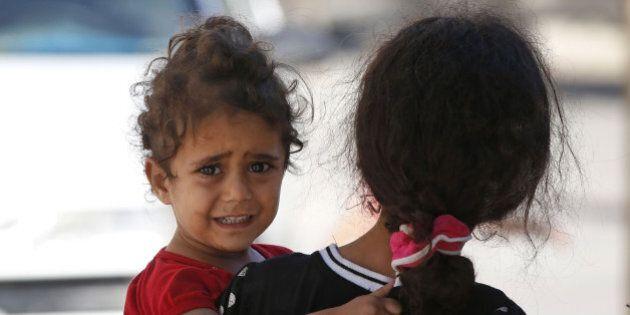Israele Gaza, nono giorno di raid. Messaggi a 100.000 palestinesi: