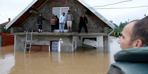Serbia e Bosnia Erzegovina sott'acqua: oltre 20 morti. Inondazioni e frane record