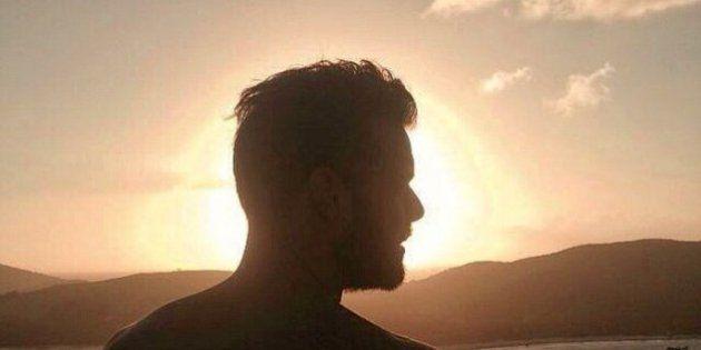 Ricky Martin non è morto in un incidente. La smentita del cantante con delle foto