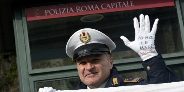 Vigili Roma, partono le prime 30 lettere alla Commissione