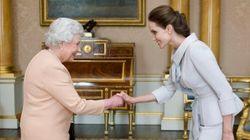 La dama Angelina a corte dalla Regina