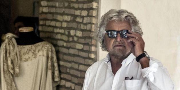 Italia 5 stelle, poca gente in piazza e indigestione da tartufo bianco: i malesseri di Beppe