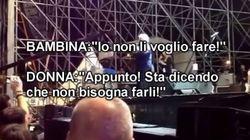 Grillo parla sul palco di Ue, Italia e dei