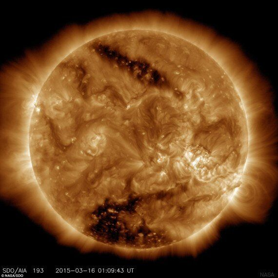 Il sole si sta spegnendo? Una nuova immagine della NASA mostra le zone di buio sulla superficie