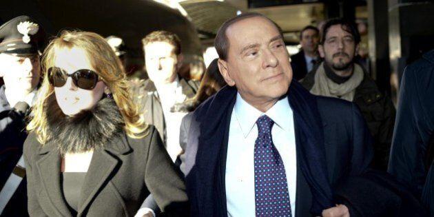 Silvio Berlusconi: effetto Francesca Pascale sui conti. Il Cav guadagna ma non spende