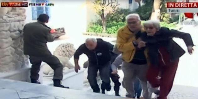 Tunisia, attacco museo del Bardo, i momenti più drammatici. Turista: ''Sparano, sparano mio Dio'' (FOTO,