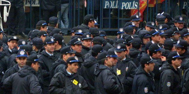 Istanbul, donna kamikaze si fa esplodere in un commissariato: due poliziotti gravemente feriti