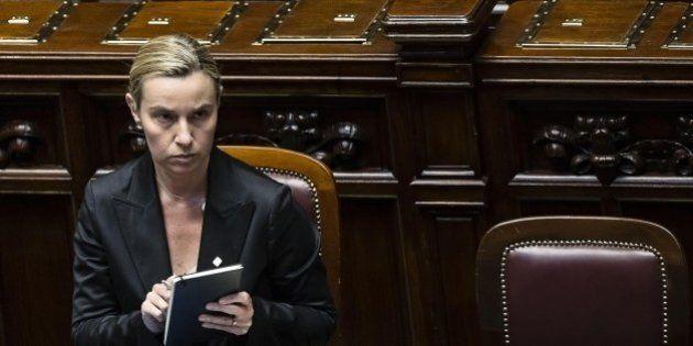 Consiglio Europeo, Federica Mogherini in corsa come Mrs Pesc ma Francois Hollande non si sbilancia e...