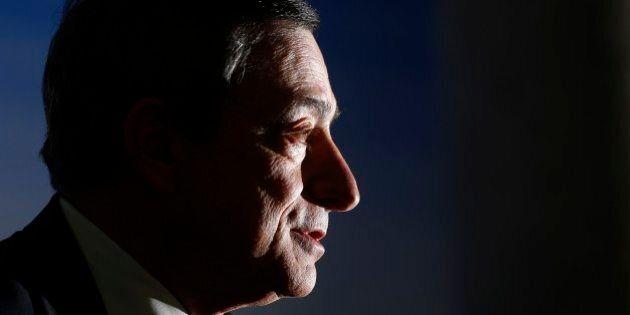 Bce, tassi di interesse invariati. Su Ltro e tassi negativi sui depositi Mario Draghi resta