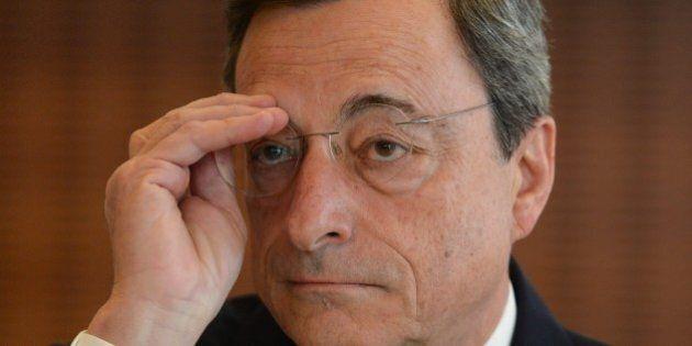Bce bacchetta l'Italia, lontana dagli sforzi richiesti sul debito. Ma S&P bacchetta Draghi per il Quantitative