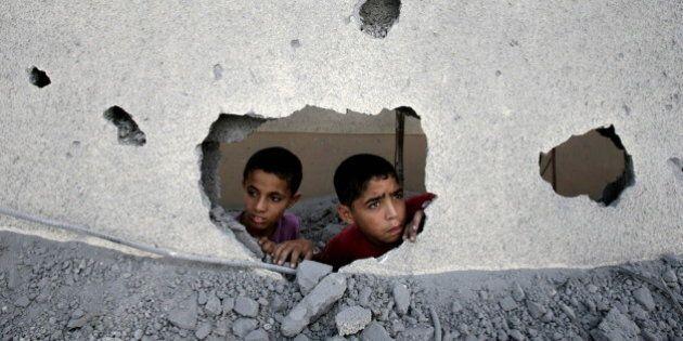 Gaza, dirigenti di Hamas ricchissimi e popolazione allo stremo. Ville miliardarie al mare vs il nulla...