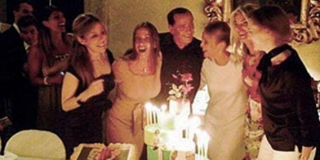 Francesca Pascale, compleanno dei 29 anni con Silvio Berlusconi a Palazzo Grazioli. Si rivede Mariano...