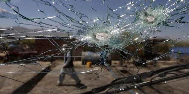 17 luglio 2014, Afghanistan: attacco all'aeroporto di Kabul. Sul voto si riparte da zero. Sette fotonotizie...