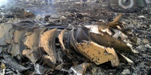 FOTO Aereo Malaysia Airlines abbattuto in Ucraina, le prime immagini del disastro
