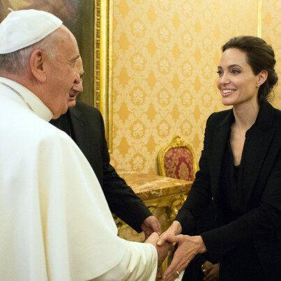 Angelina Jolie da Papa Francesco per la premiere di Unbroken. L'attrice: