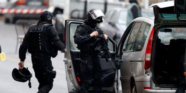 Attentato Charlie Hebdo: nuovo reato per fermare i reduci. Viminale: