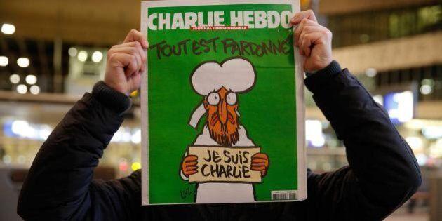 Charlie Hebdo litiga sui soldi: cosa fare dei 30 milioni di euro arrivati dopo il