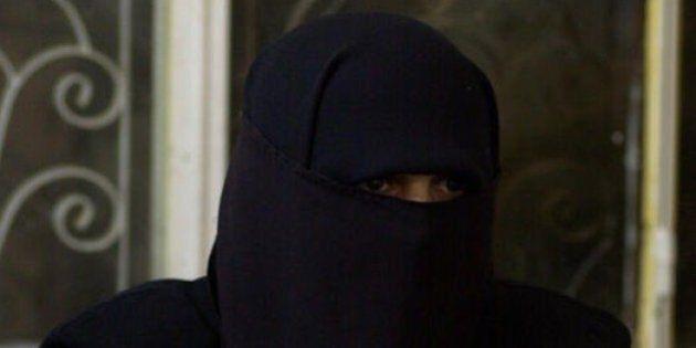 Isis; storia della tunisina Nadine, 33 anni, da Milano alla jihad.