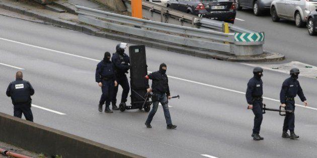 Attentati Parigi, competizione sul campo e sui social dentro l'Islam radicale nelle