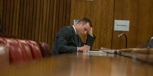 Oscar Pistorius, processo. Il no dei genitori di Reeva Steenkamp al risarcimento di 27mila euro: