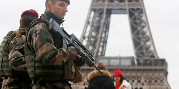 Attentati Parigi, domenica leader in marcia contro il terrorismo. Riunione sulla sicurezza. Renzi: