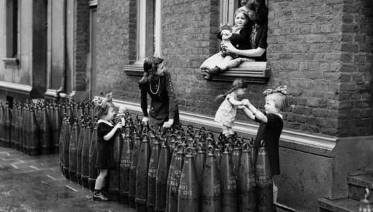 Vivere la guerra e restare bambini. Dai più piccoli una lezione di