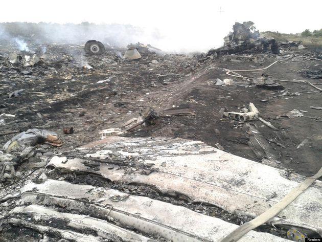 Aereo Malesia abbattuto, un testimone racconta la caduta del volo della Malaysian Airlines: