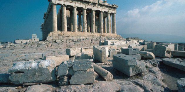 Borse europee in picchiata sui timori per la Grecia. Atene perde quasi il 10%, Piazza Affari il 4%. E...