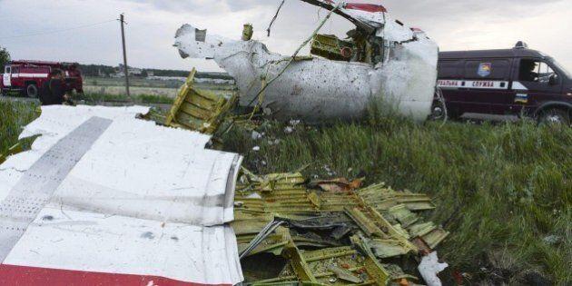 Aereo malese abbattuto, si continua a combattere a pochi chilometri dal disastro. Kiev: