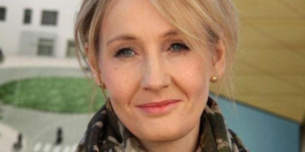 J. K. Rowling vs Rupert Murdoch su Charlie Hebdo. Lui:
