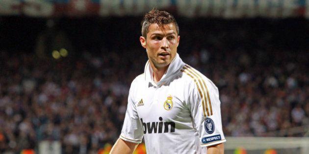 Pallone d'Oro 2014, Cristiano Ronaldo vince il suo terzo trofeo. Battuti Manuel Neuer e Lionel