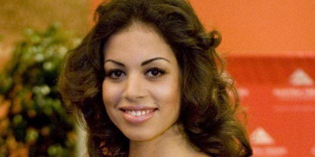 Ruby ter, il cellulare della marocchina intestato all'avvocato Giuliante. E lei voleva comprarsi un ristorante...