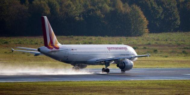 Airbus A320 Germanwings precipitato in Francia aveva quasi 25 anni, era uno dei più vecchi (FOTO,